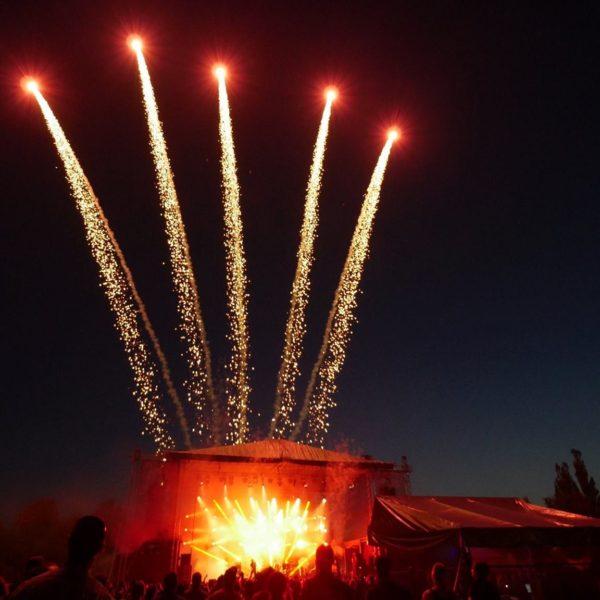 Realizujeme ohňostroje a speciální pyroefekty s kompletním servisem